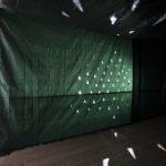 Christophe Hamaide-Pierson: Pauline Goudron presenning, tau, gaffa, solbriller, neoprensnorer, speil lm (2016)